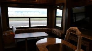 Glacier Peak F30RDS rear dining area
